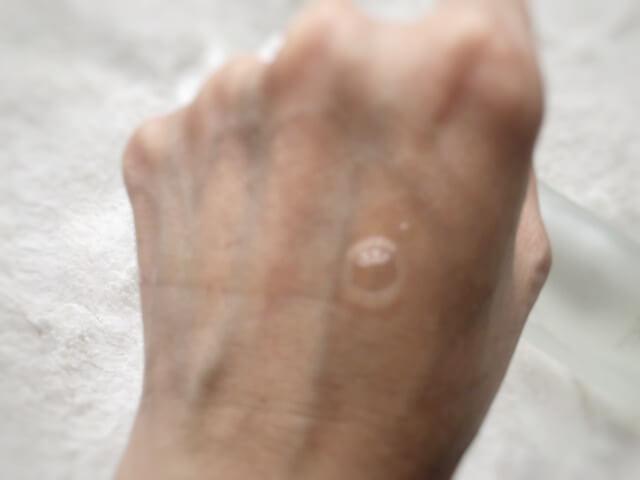 sk2拭き取り化粧水が流れる